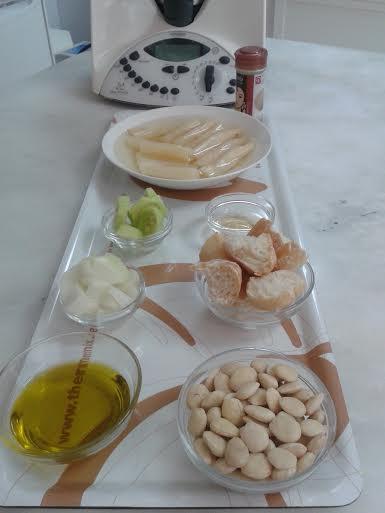 Gazpacho de espárragos blancos con Thermomix®