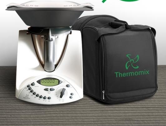Thermomix® con la bolsa de transporte!! Ó Ediciones Especiales Thermomix® (unidades limitadas) Del 19 de Agosto al 1 de Septiembre