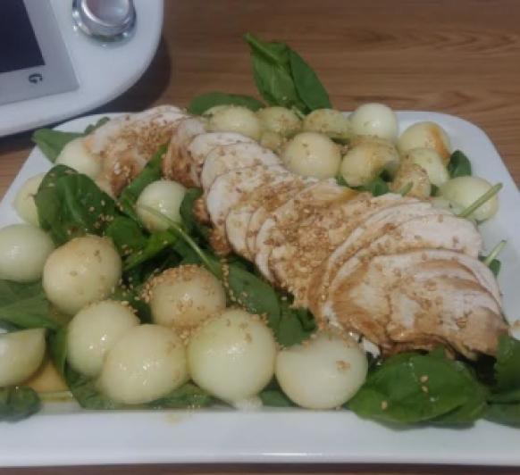 Ensalada de espinacas, pollo y melón con Thermomix®